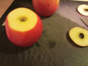 Leveling the apples.