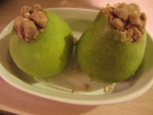 The streusel topping can also be used for pears.