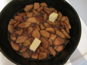 Pear mixture with spices and butter.