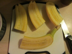 One banana, quartered, per person.