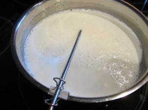 Milk mixture, heating over medium heat to 120 degrees.