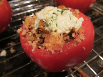 Stuffed tomato after broiling.
