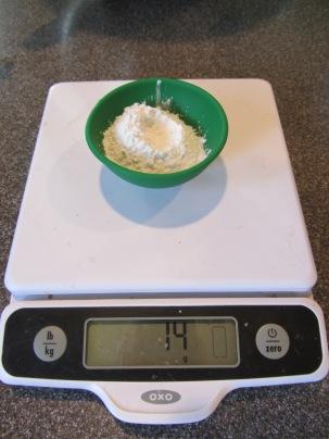 14 g of baking powder.