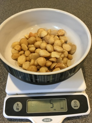 5 ounces of macadamia nuts